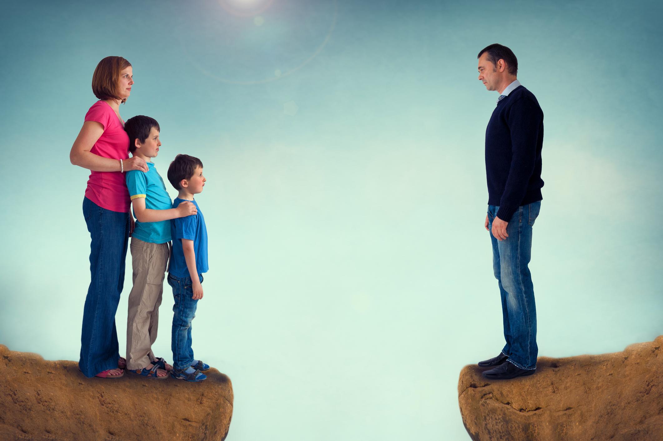 никак ребенок после расторжения брака приводящие