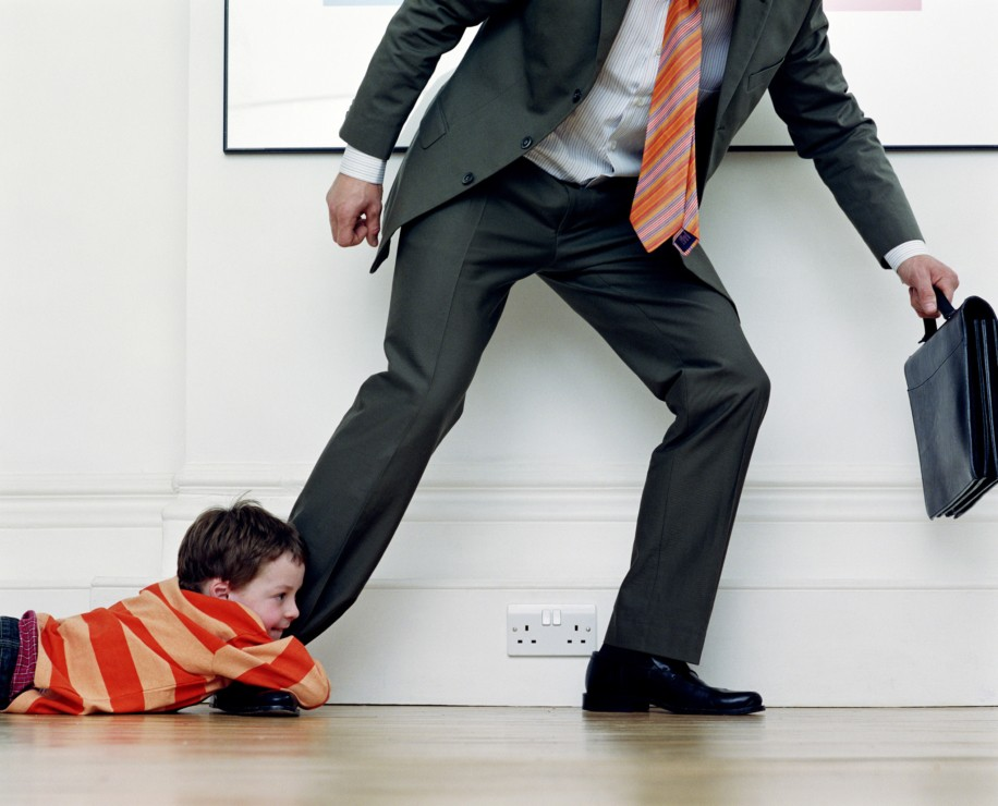 Как добровольно отказаться от отцовства